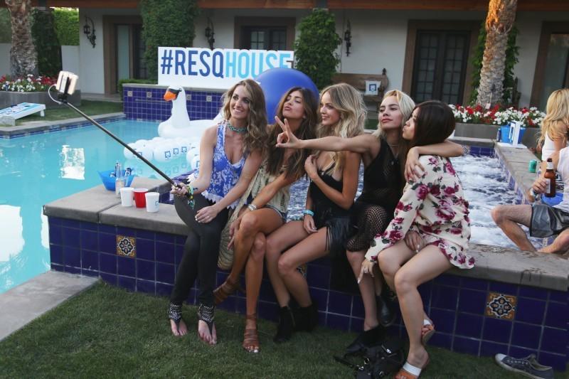 RESQHOUSE-2015-Kaitlynn-Carter-Coachella